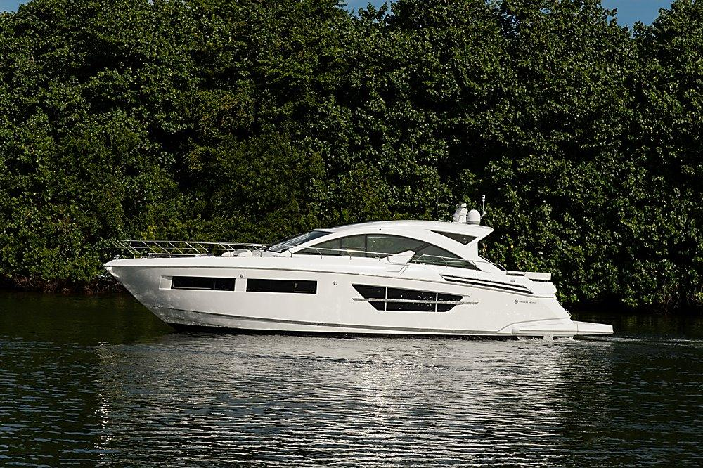60 ft Cruisers Yachts 60′ Cantius