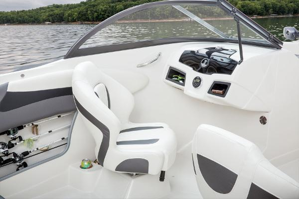 2016 Tahoe boat for sale, model of the boat is 550 TF & Image # 34 of 62