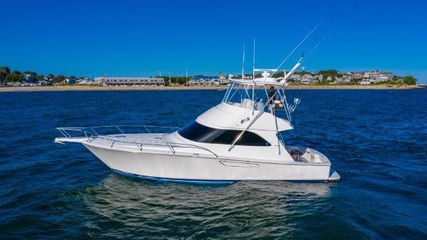 2012 42' Viking 42 Convertible