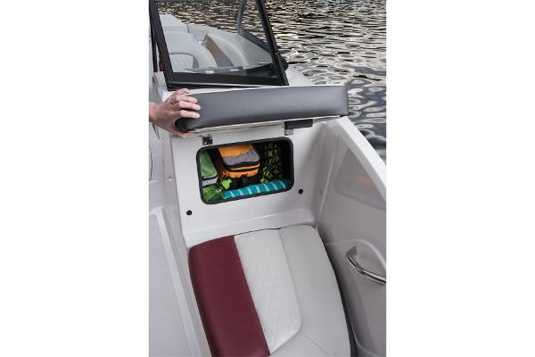 2016 Tahoe boat for sale, model of the boat is 550 TS & Image # 19 of 35