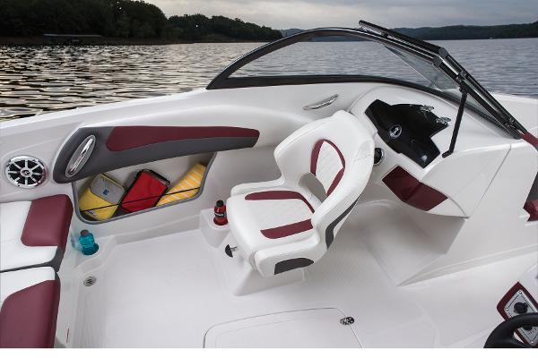 2016 Tahoe boat for sale, model of the boat is 550 TS & Image # 21 of 35