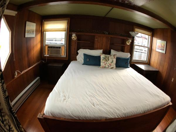 Custom Houseboat Buy Connecticut