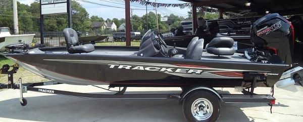 2019 TRACKER BOATS 84925G819 for sale