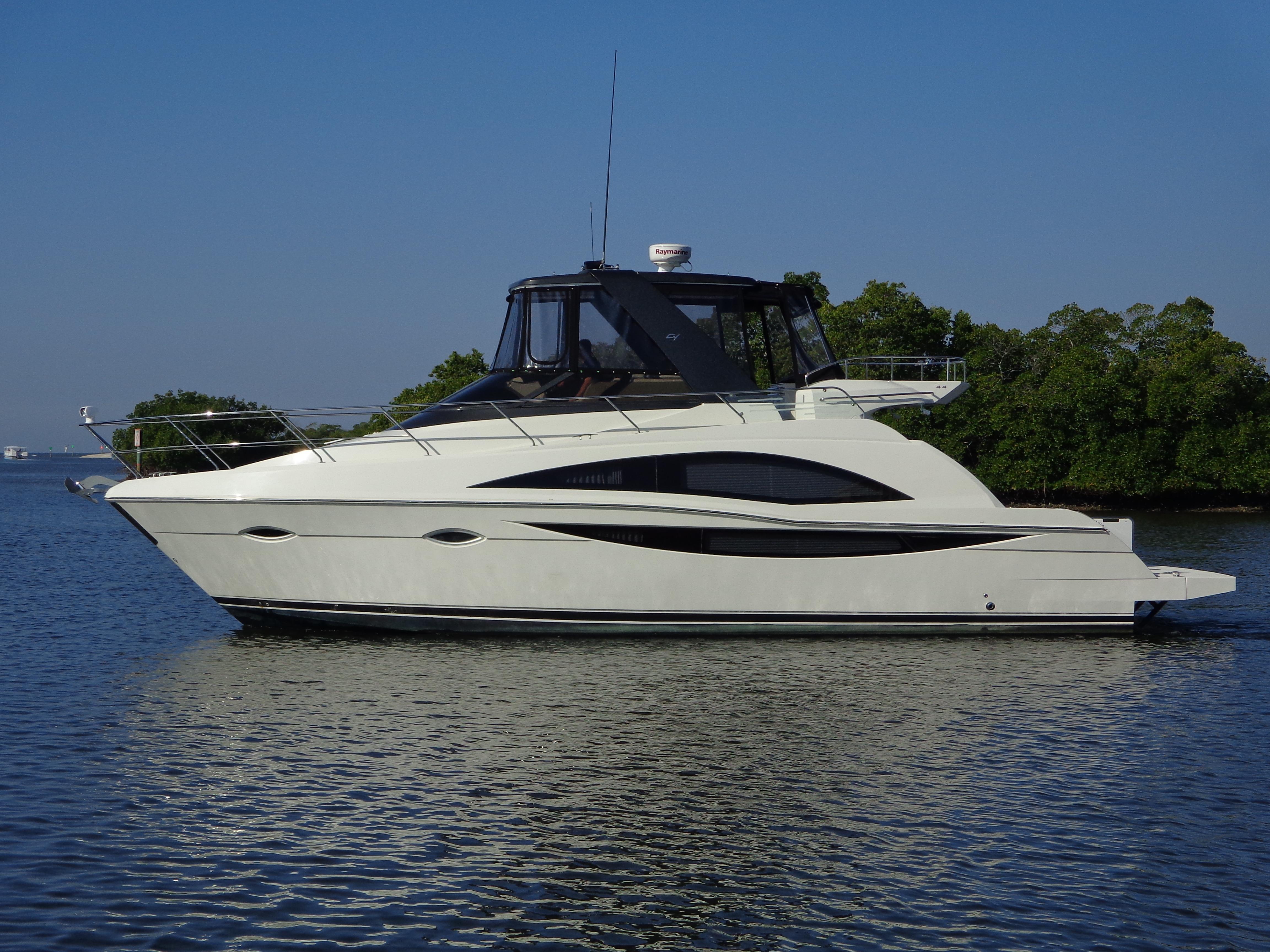 44 CARVER YACHTS 2012 SW Florida | Denison Yacht Sales