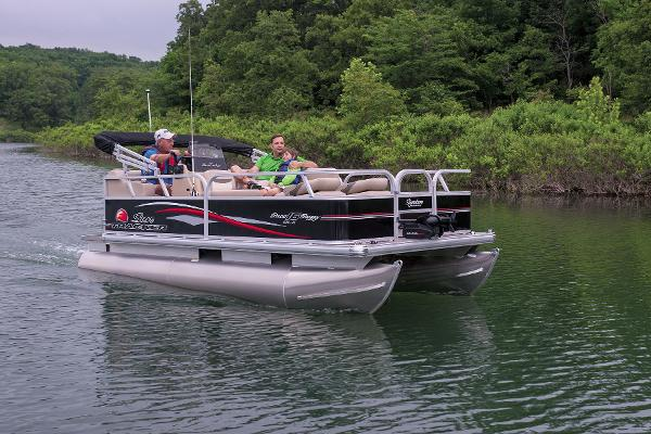 2015 Sun Tracker boat for sale, model of the boat is Bass Buggy 16 DLX & Image # 35 of 35