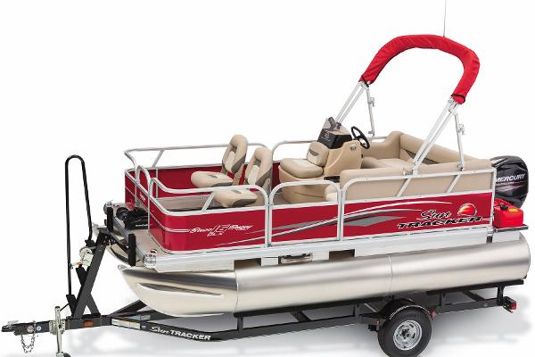 2015 Sun Tracker boat for sale, model of the boat is Bass Buggy 16 DLX & Image # 30 of 35