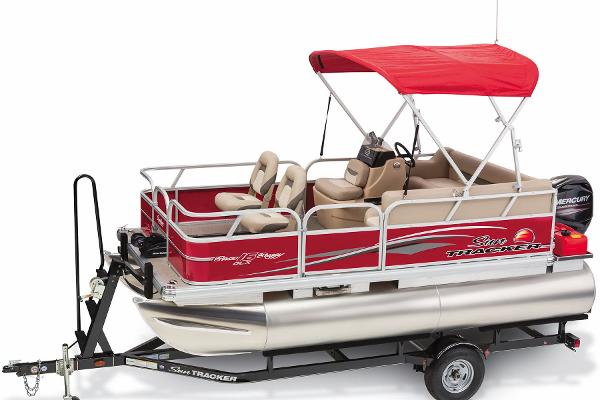 2015 Sun Tracker boat for sale, model of the boat is Bass Buggy 16 DLX & Image # 32 of 35
