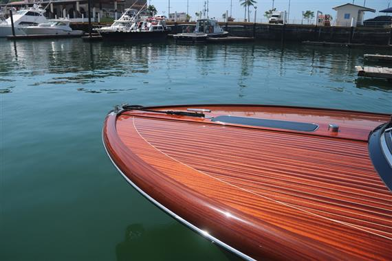 2015 Riva 33 Aquariva - Bow