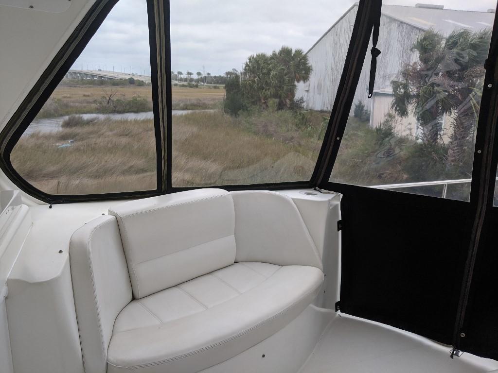Carver 56 Voyager SE - Bridge Starboard Seating