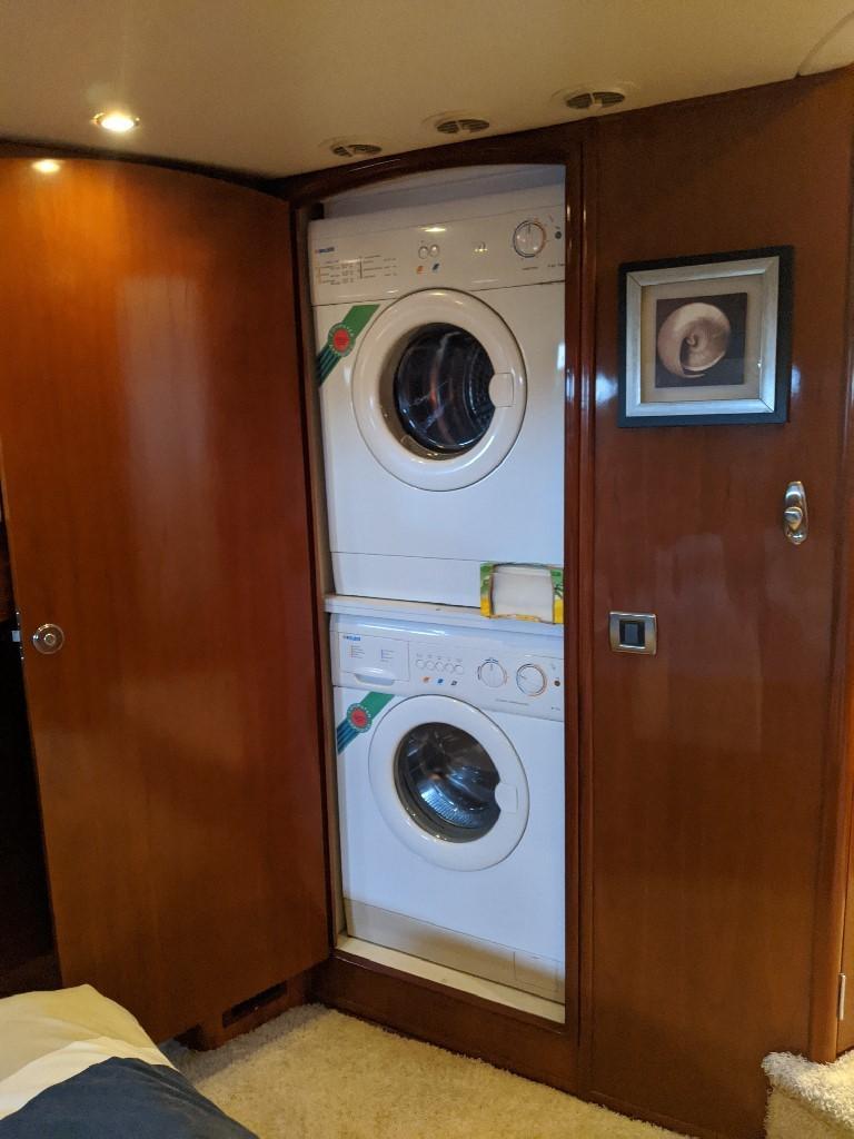 Carver 56 Voyager SE - Washer Dryer