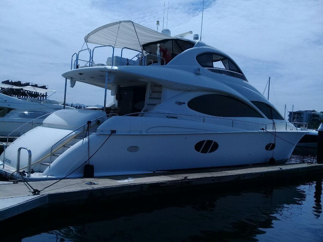 68 ft Lazzara 68 Pilothouse