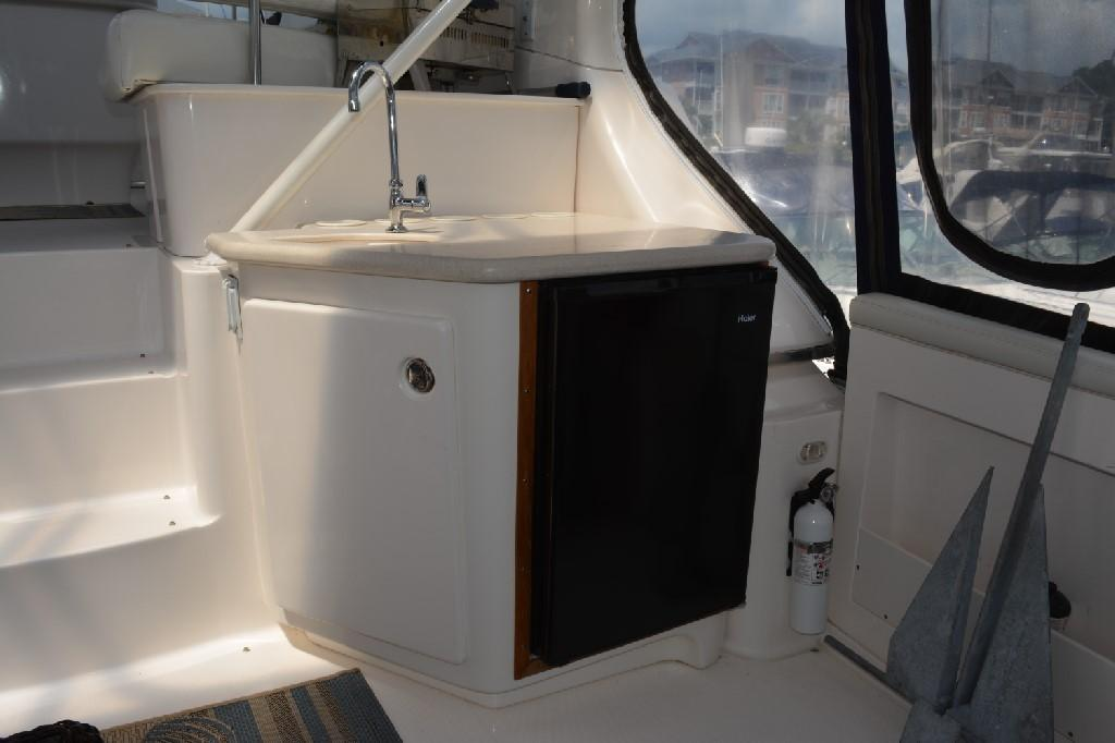 Silverton 43 Motor Yacht - Wet Bar