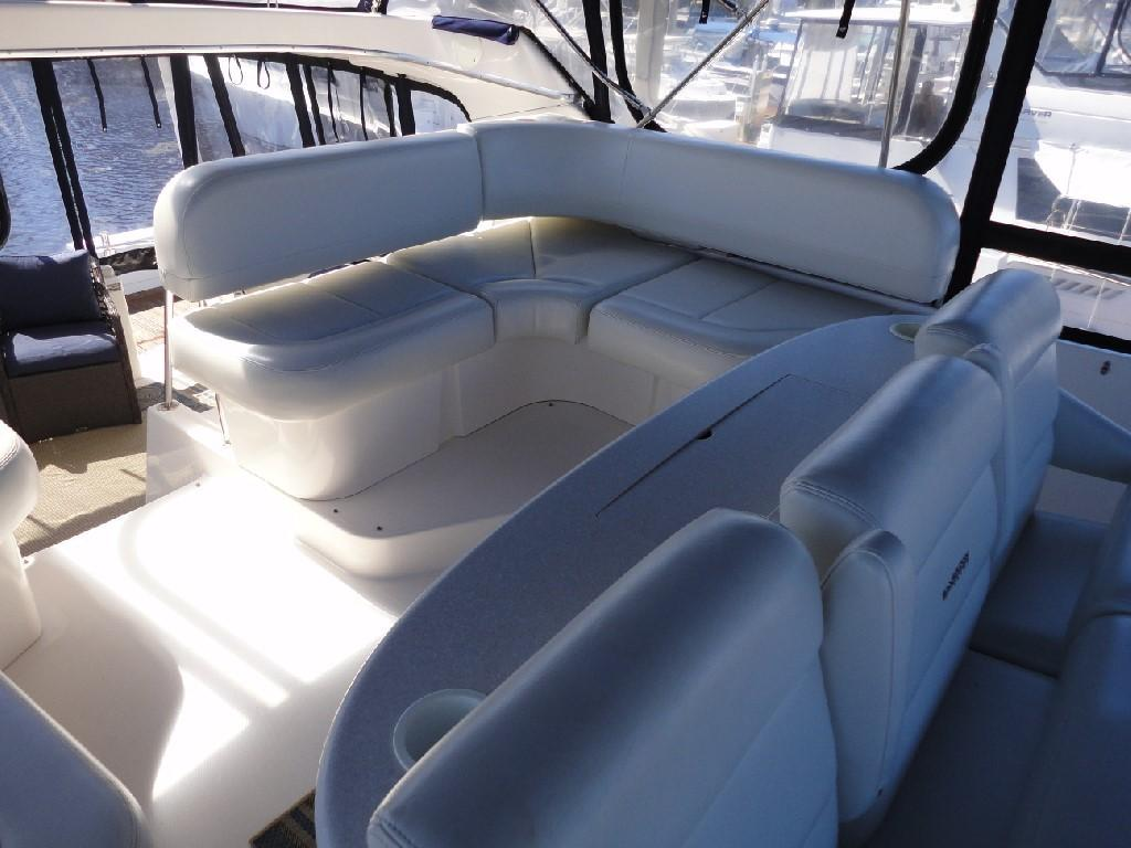 Silverton 43 Motor Yacht - Aft Bridge Seating Port
