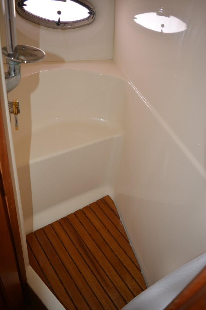 Silverton 43 Motor Yacht - Forward Shower Closet