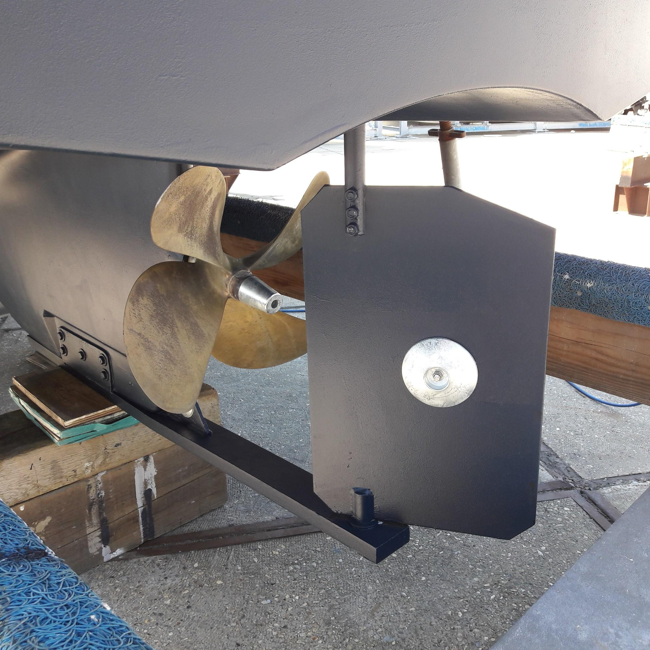 Rhea 730 Timonier - rudder & prop