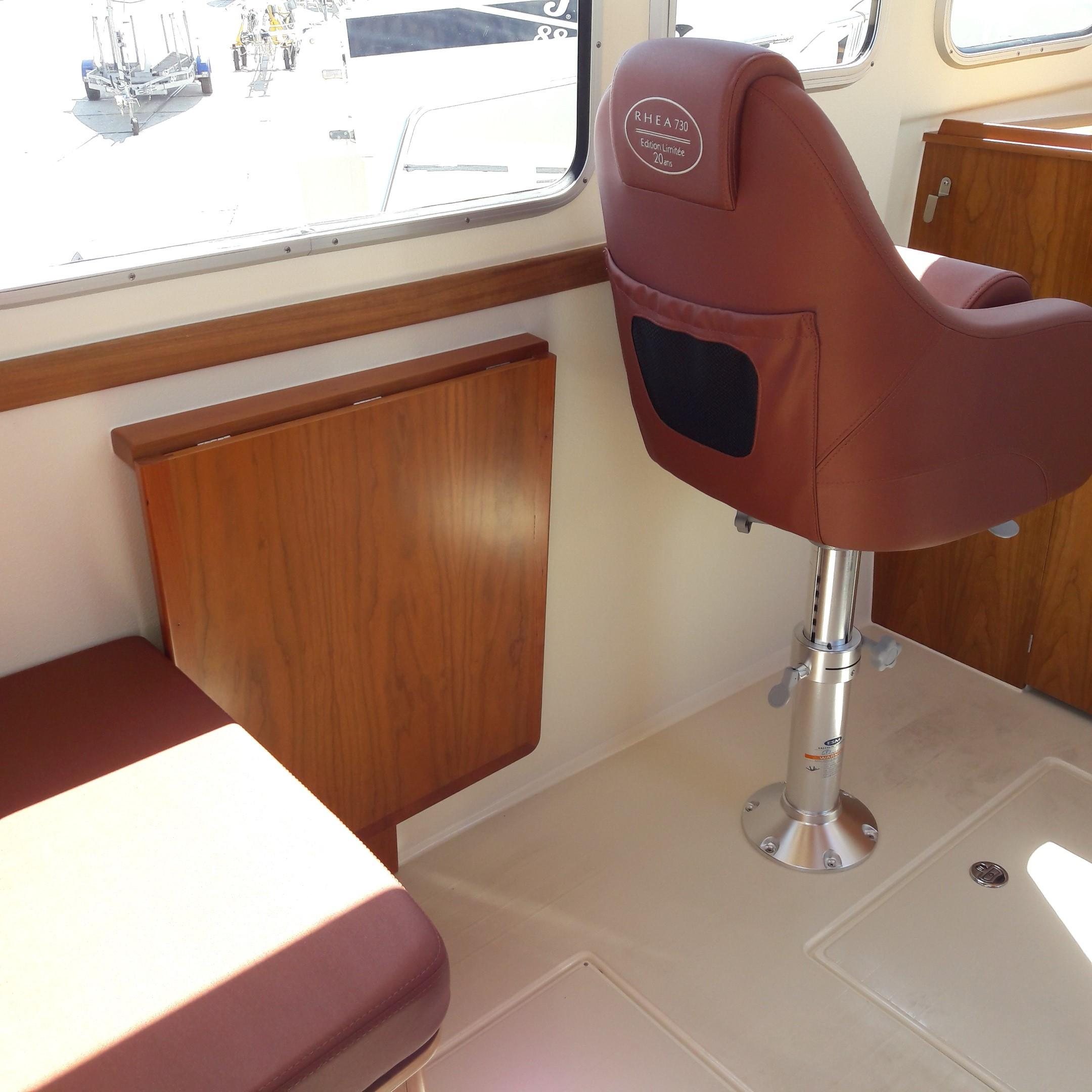 Rhea 730 Timonier - fold away table