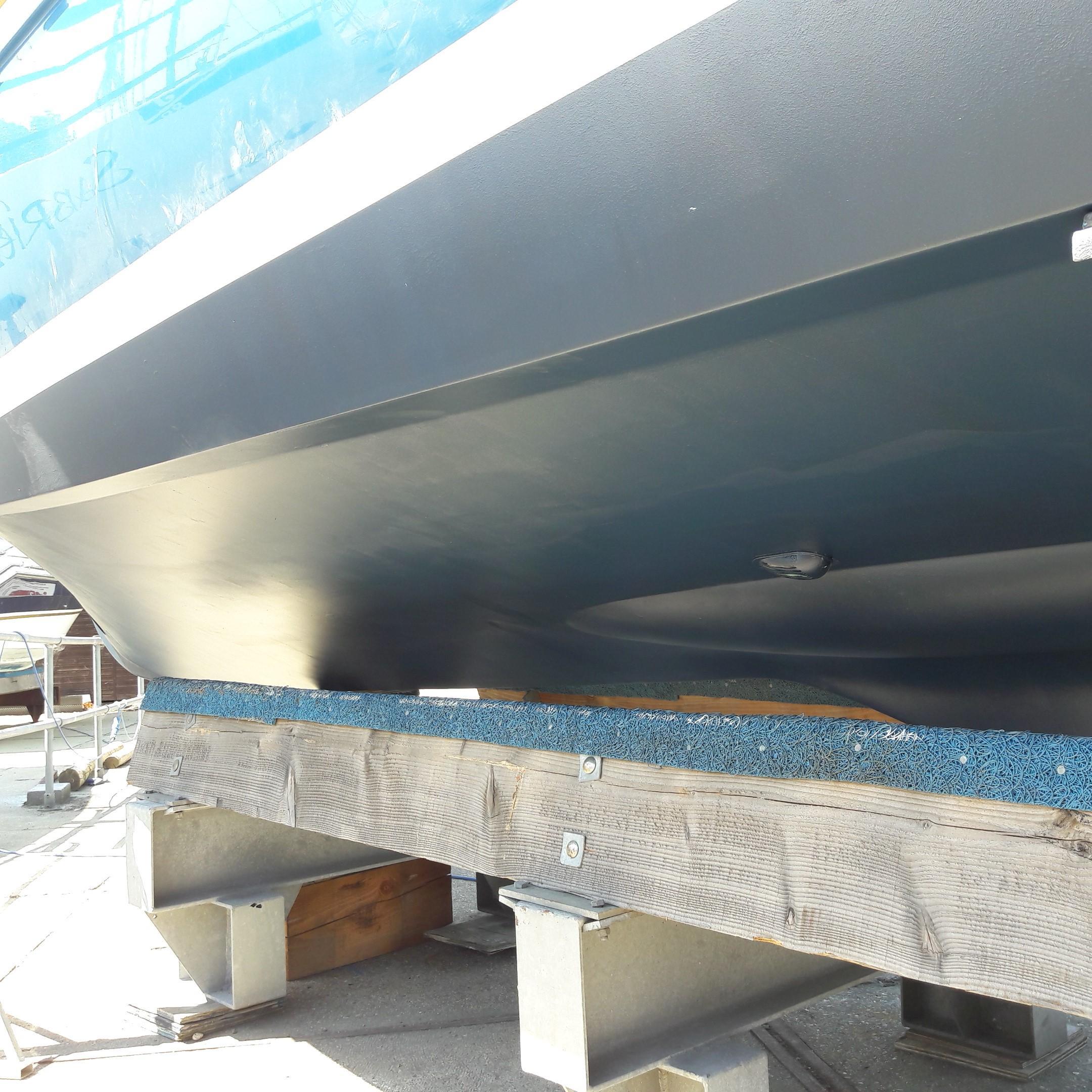 Rhea 730 Timonier - hull