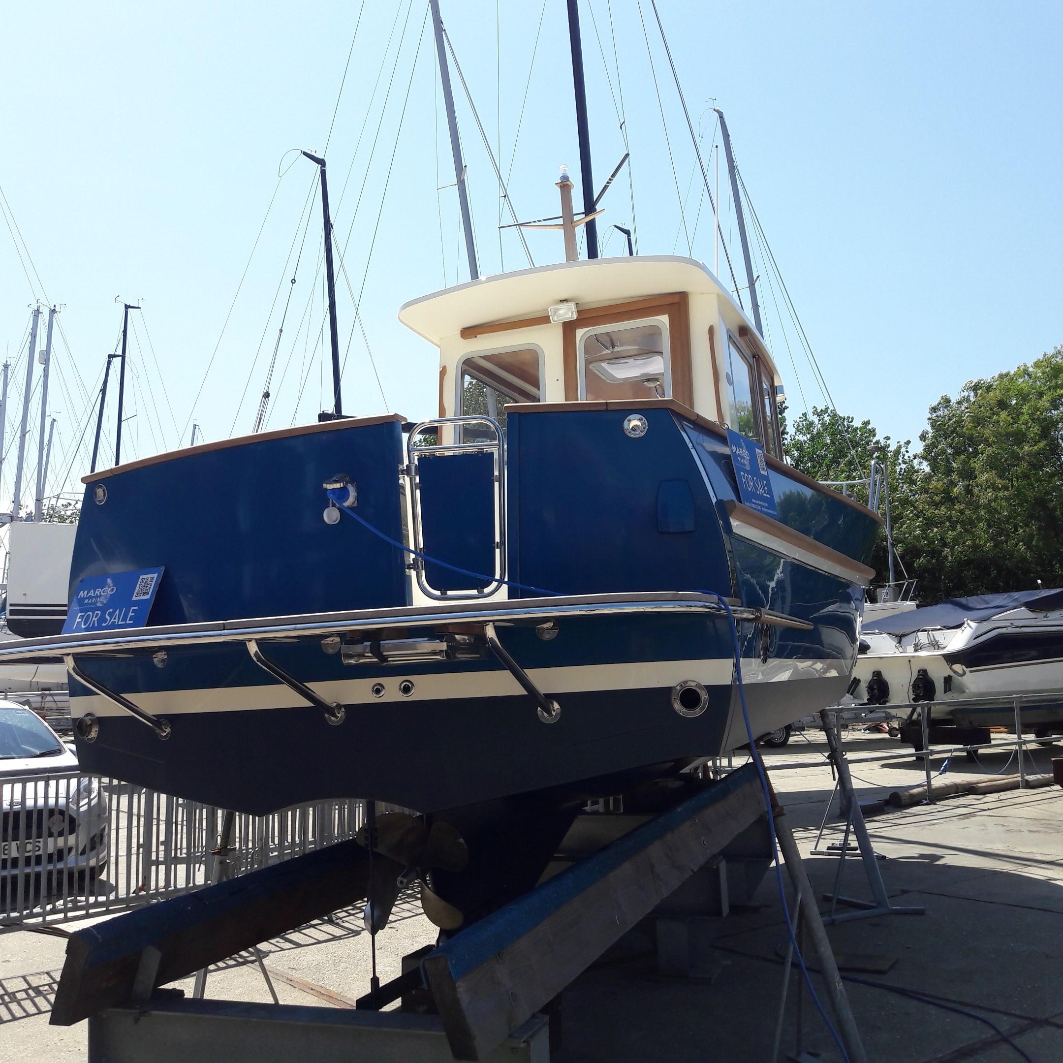Rhea 730 Timonier - tumblehome stern