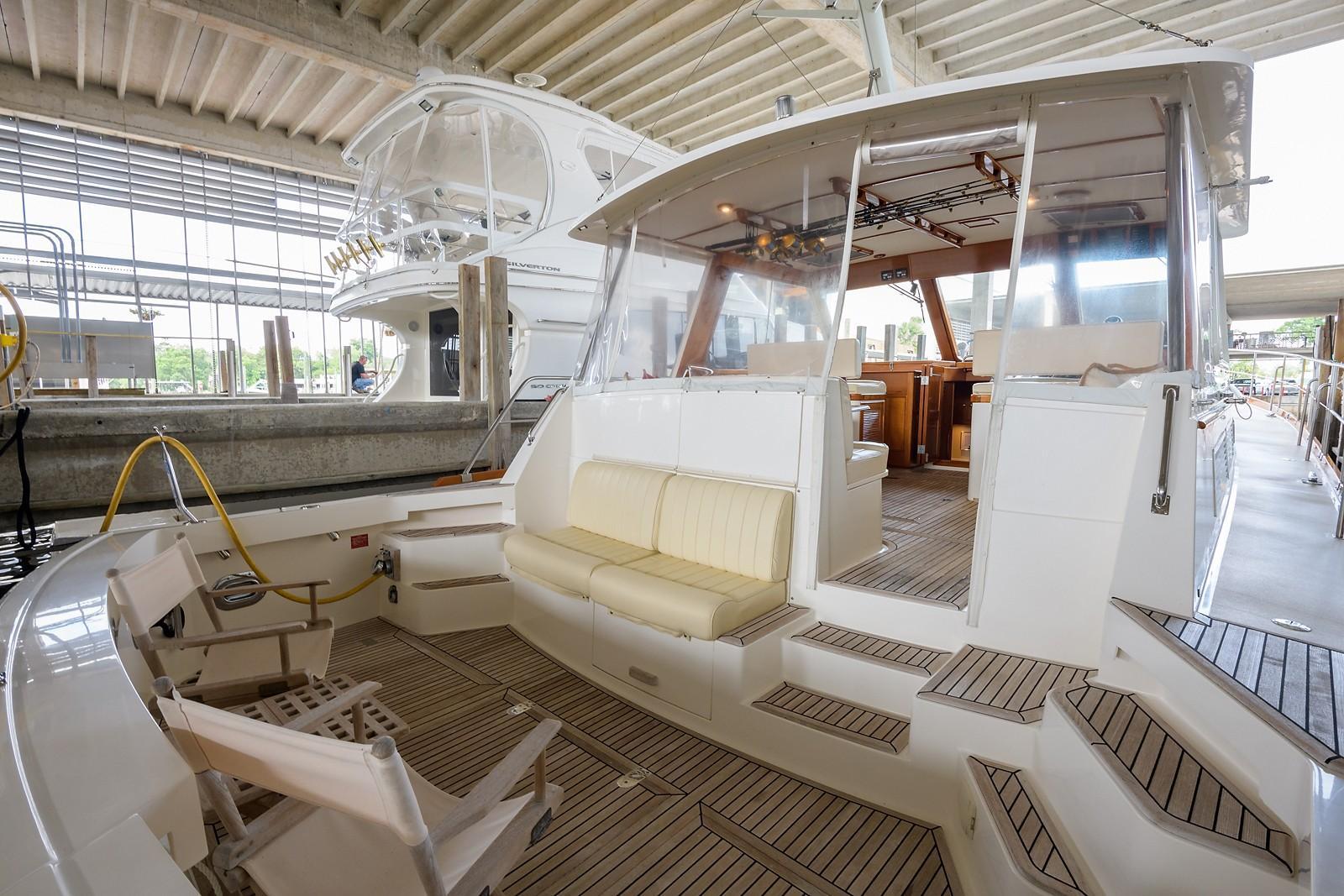 Cockpit, FWD, Port