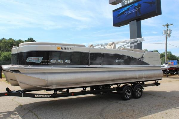 2016 AVALON CATALINA QUAD LOUNGE 25' for sale