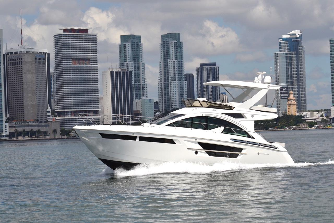54 ft Cruisers Yachts 54 Fly