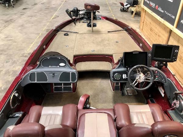 2010 Ranger Boats boat for sale, model of the boat is Z520 & Image # 7 of 10