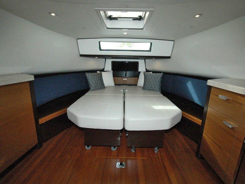 TiaraQ44 Adventure Yacht