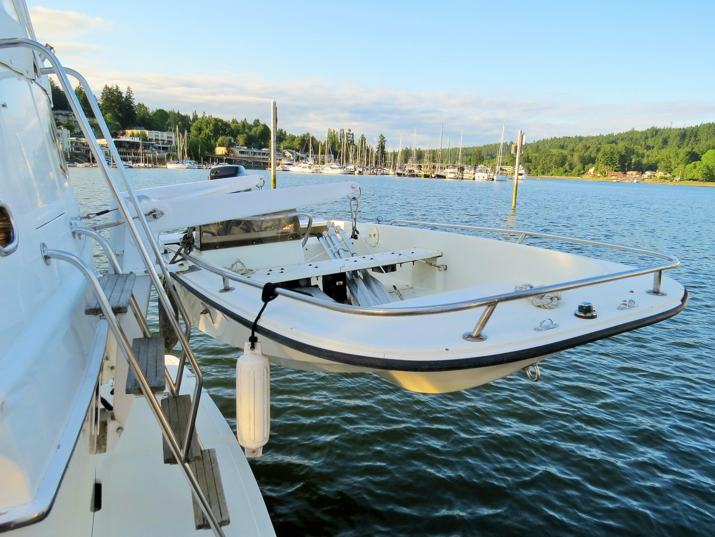 Boston Whaler w/ 40hp Motor