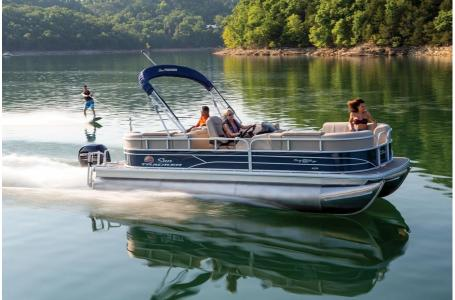 2019 Sun Tracker boat for sale, model of the boat is PARTY BARGE 22RF XP3 w/ Mercury 150Hp 4S & Image # 1 of 16