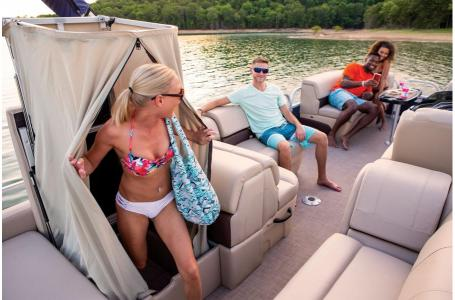 2019 Sun Tracker boat for sale, model of the boat is PARTY BARGE 22RF XP3 w/ Mercury 150Hp 4S & Image # 13 of 16