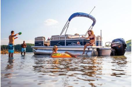 2019 Sun Tracker boat for sale, model of the boat is PARTY BARGE 22RF XP3 w/ Mercury 150Hp 4S & Image # 16 of 16