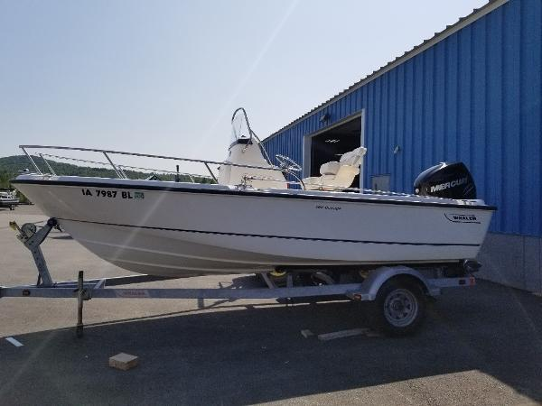 2011 BOSTON WHALER 19' OUTRAGE for sale