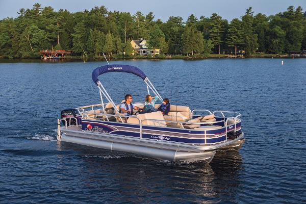 2015 Sun Tracker boat for sale, model of the boat is Fishin' Barge 22 DLX & Image # 9 of 10