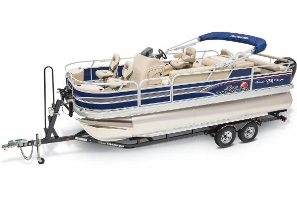 2015 Sun Tracker boat for sale, model of the boat is Fishin' Barge 22 DLX & Image # 1 of 10
