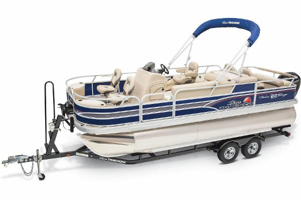 2015 Sun Tracker boat for sale, model of the boat is Fishin' Barge 22 DLX & Image # 2 of 10
