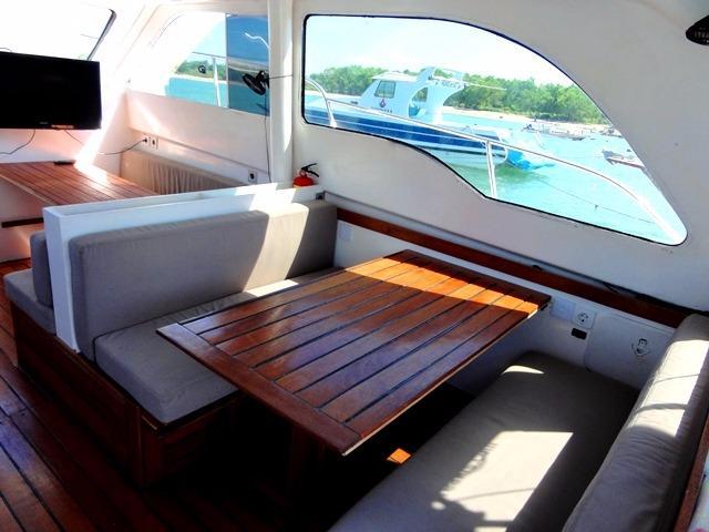 46ft Flybridge Cruiser Recent Interior Refit