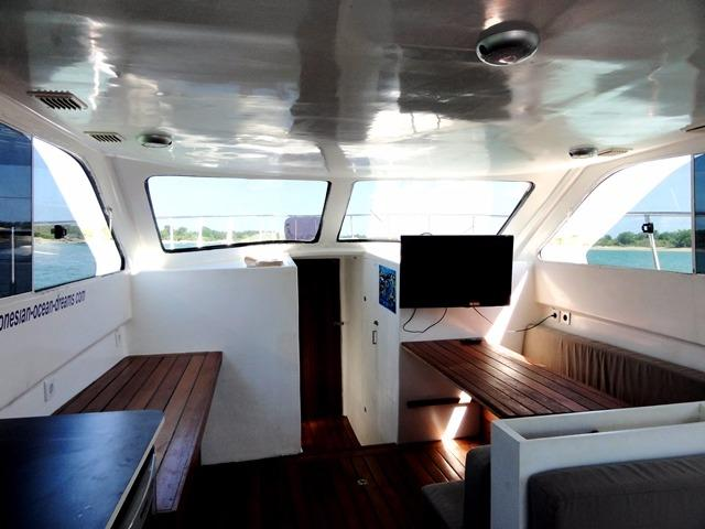 46ft Flybridge Cruiser Looking forward