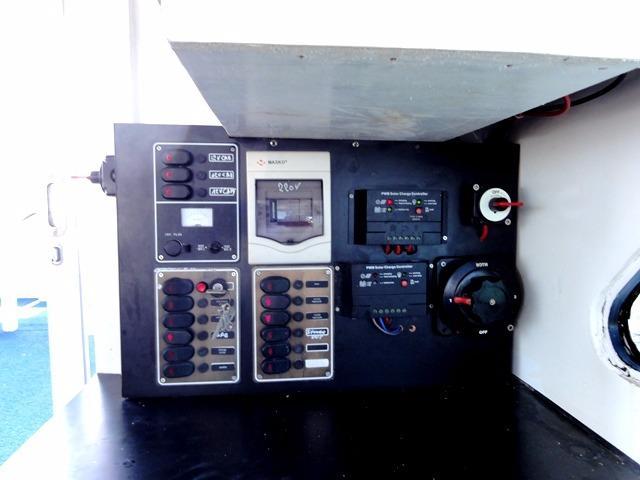 46ft Flybridge Cruiser Control Panel