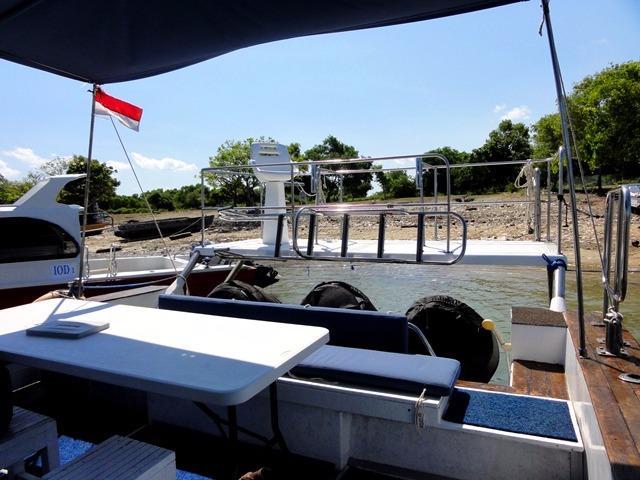 46ft Flybridge Cruiser Aft Deck
