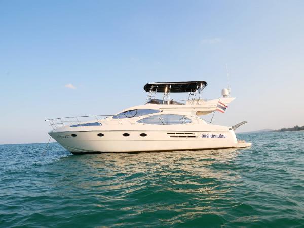 46 Fly bridge motor yacht-5868