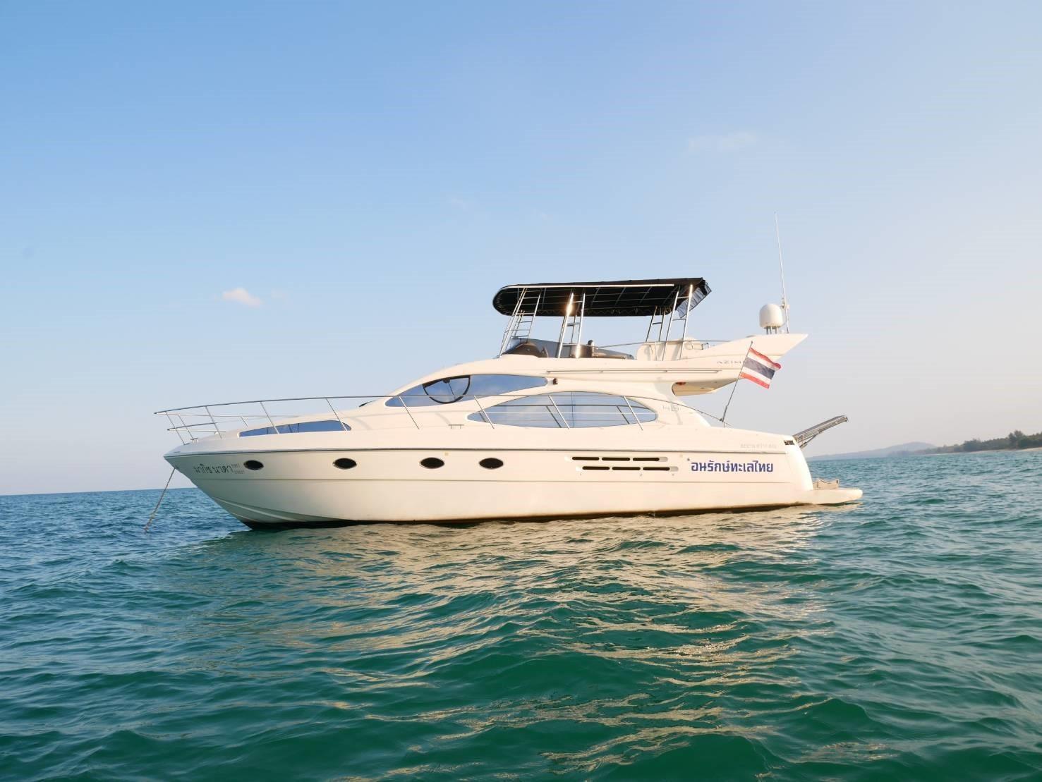 46 Fly bridge motor yacht-1