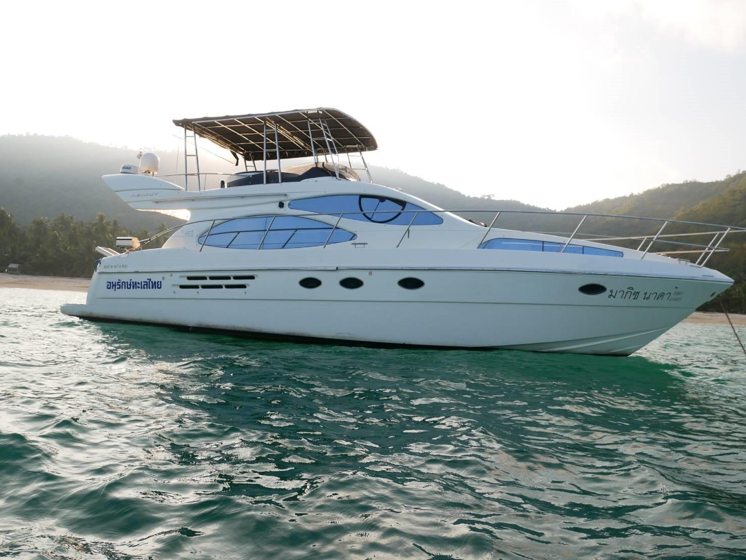 46 Fly bridge motor yacht-3