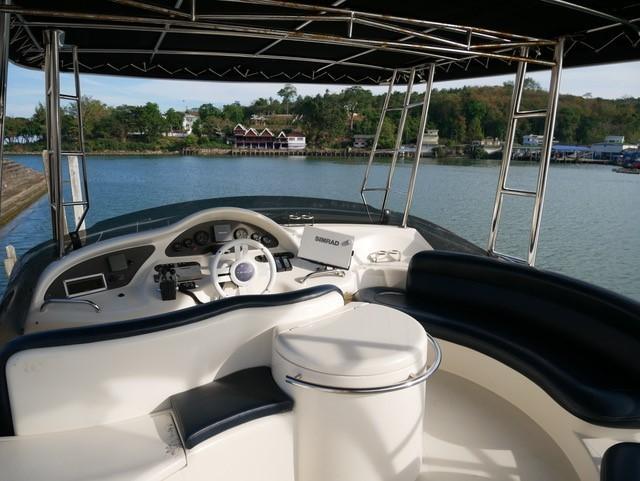 46 Fly bridge motor yacht-15