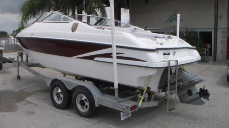 1999 Seaswirl boat for sale, model of the boat is 230 Cuddy Cabin & Image # 2 of 30
