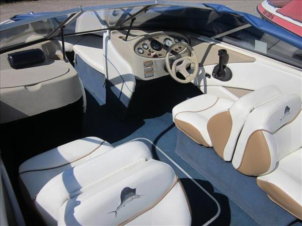 2002 Bayliner boat for sale, model of the boat is 1950 Classic & Image # 5 of 9