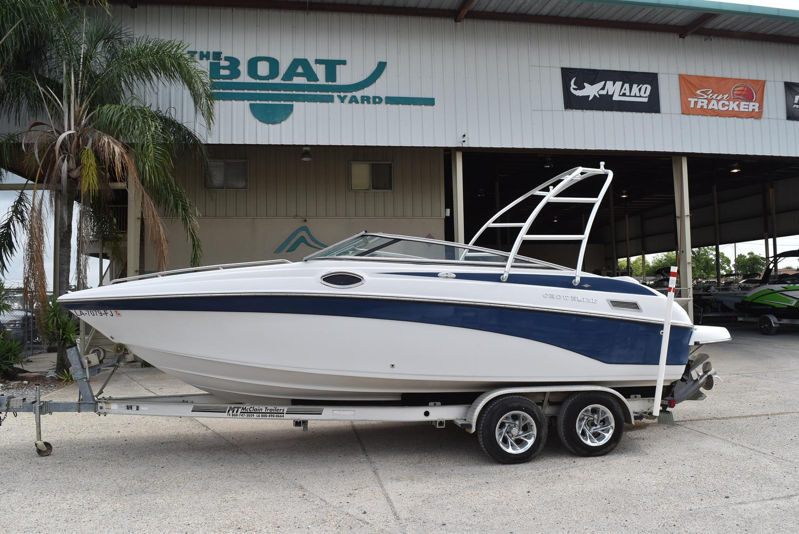 2003 Crownline boat for sale, model of the boat is 230 BR & Image # 1 of 16