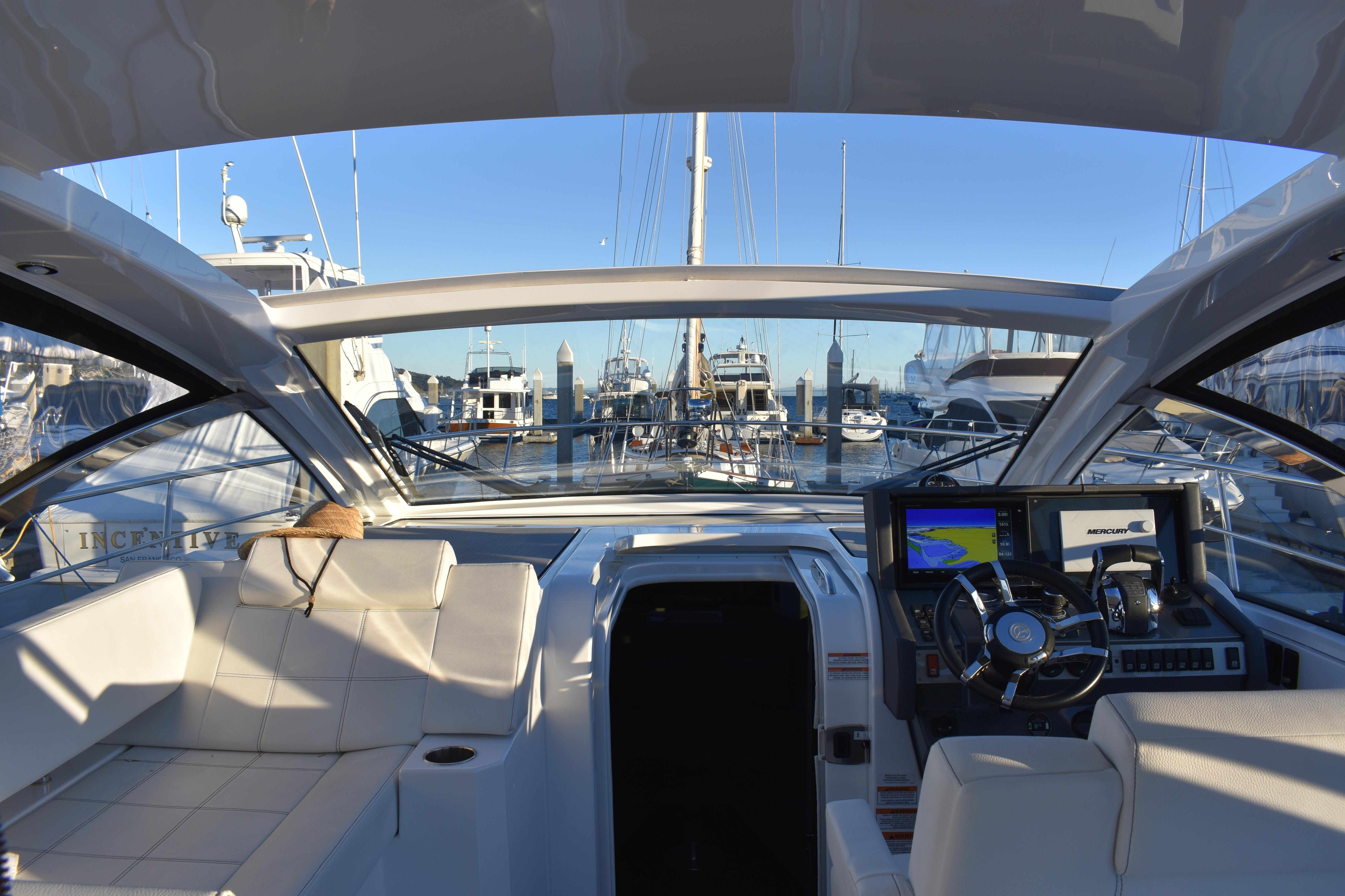 Cruisers Yachts - 50North