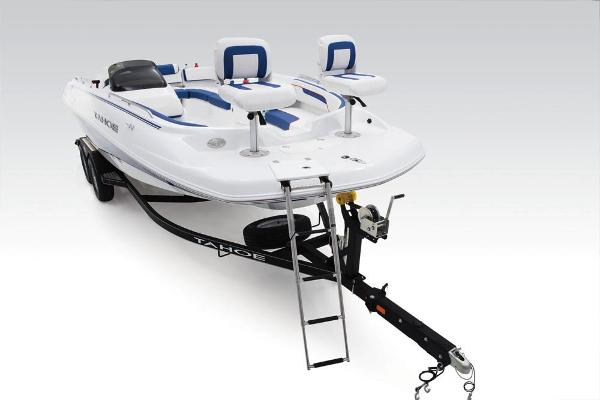 2018 Tahoe boat for sale, model of the boat is 215 Xi & Image # 10 of 38