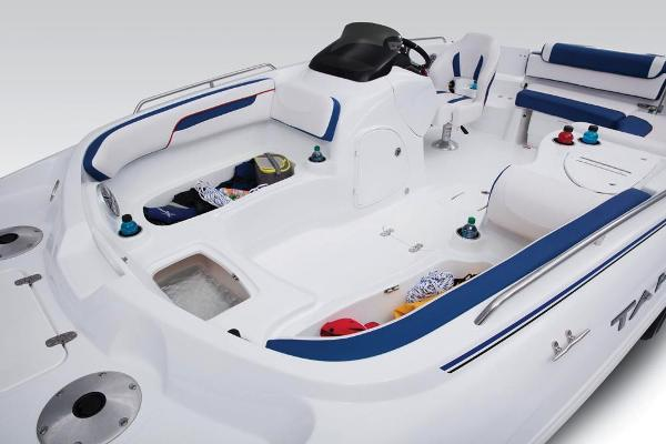 2018 Tahoe boat for sale, model of the boat is 215 Xi & Image # 14 of 38