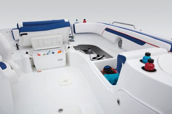 2018 Tahoe boat for sale, model of the boat is 215 Xi & Image # 21 of 38